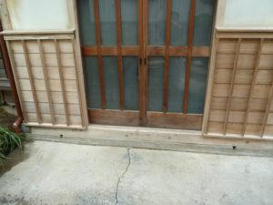 玄関引き戸も蘇りました。