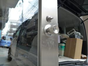 塗布後のステンレス扉