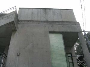 東京文京区の築20年のコンクリート建築の汚れ