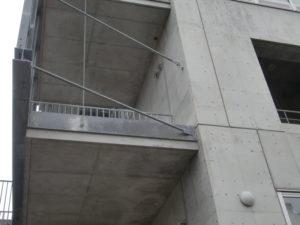 8年後の汚れ易い、梁、柱、壁の顎にも汚れの痕は有りません