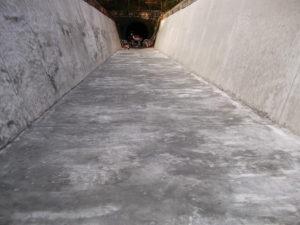 水路のモルタルへWater Proof-Cの2回目塗装後の全景