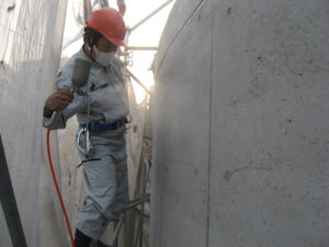 防水剤塗装後、フェイスガードアウト200Sを塗装