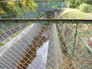 施工後水路に水が流れています