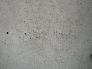コンクリートはシリコーンの防水層により水玉が