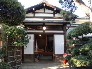木部保護剤WG2シールドで防水と腐食防止塗装後の玄関